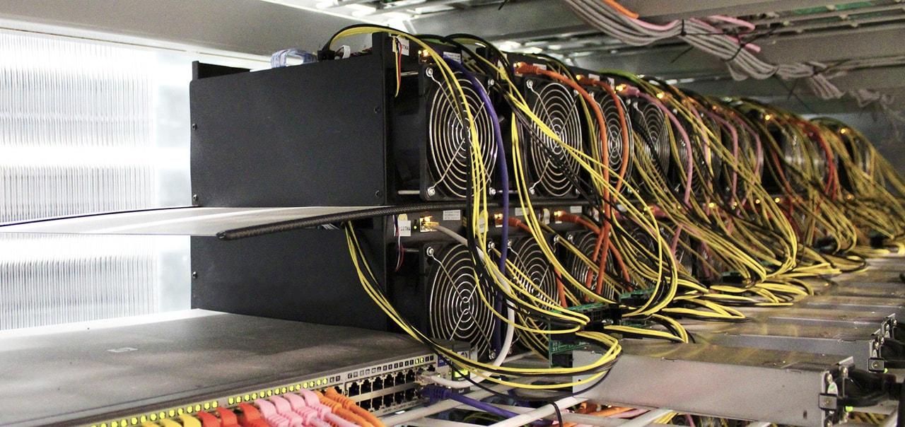 Майнинг-ферма для добычи криптовалюты